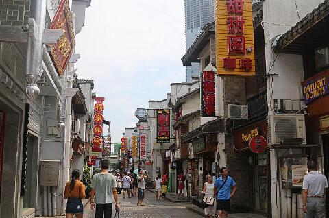 太平街络绎不绝的游客