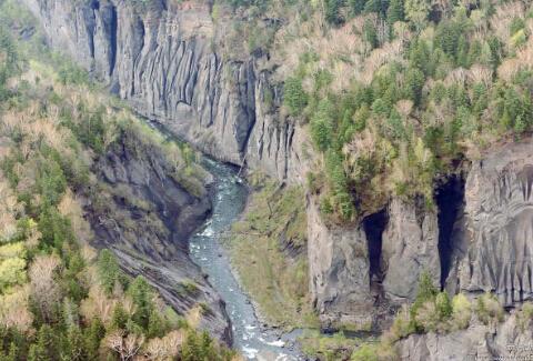 长白山大峡谷   周长庆摄
