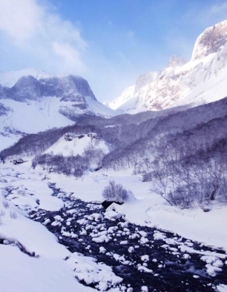 冬日峡谷  孙志摄