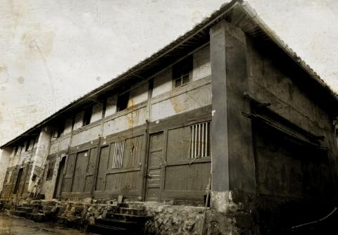 溪邳村的第一座房屋——