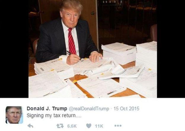 特朗普去年在推特上贴出了自己填报税单的照片