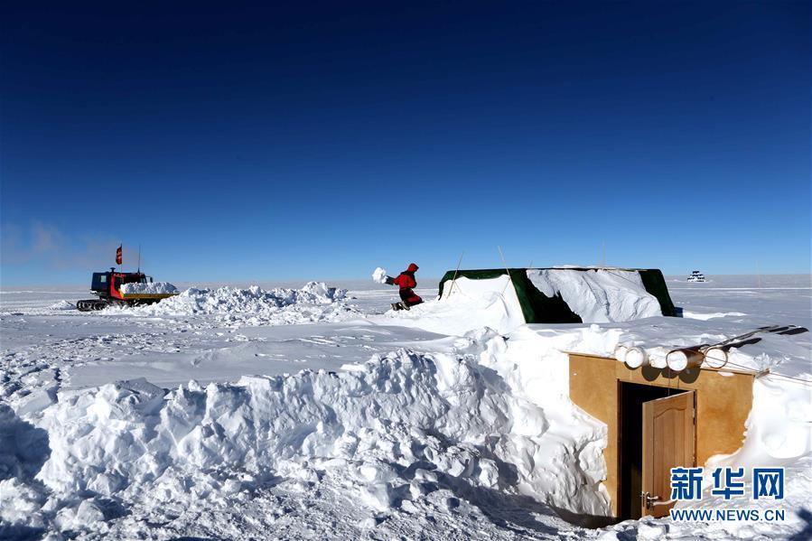 """(""""雪龙""""探南极·图文互动)(7)通讯:南极冰盖之巅深冰芯房探秘"""