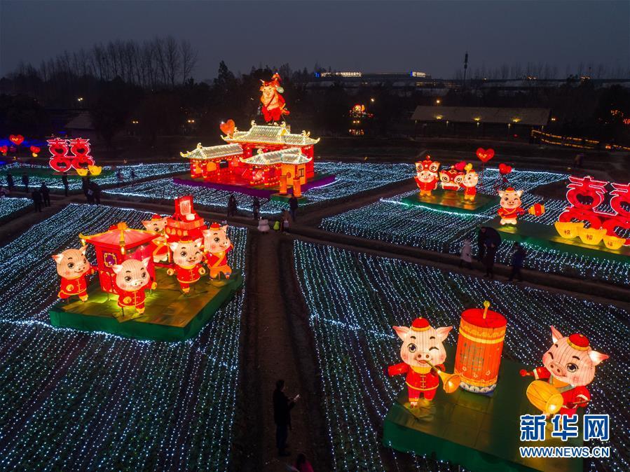 """(美丽中国)(6)传统""""水灯会""""点亮江南水乡古镇"""