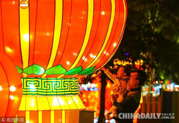 中华心水论坛京城市场年味儿浓 多彩活动闹新春