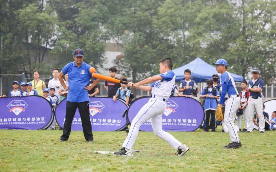 成都市第三届青少年软式棒垒球锦标赛在高新区开赛蝴蝶乒乓球拍包装图片