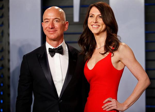 获悉前妻承诺捐赠一半财产后 亚马逊创始人贝索斯这样说