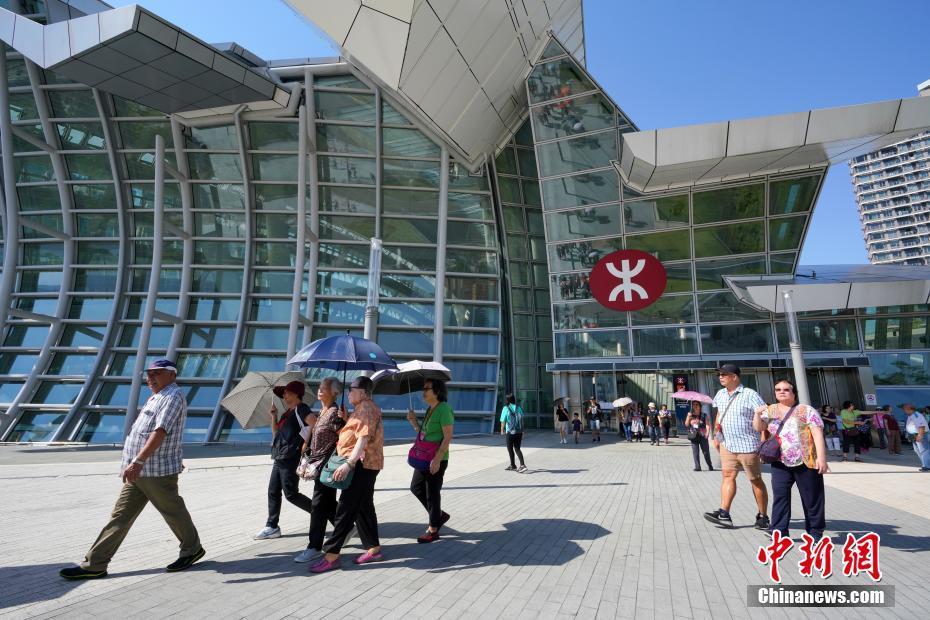 西九龙站已成为内地进出香港的重要口岸