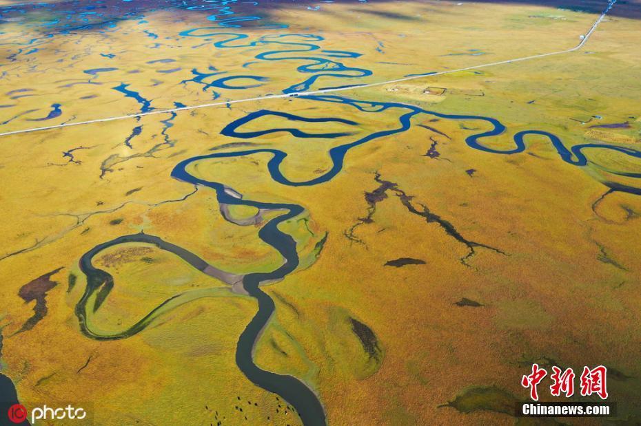 航拍甘南草原湿地河流九曲十八弯 如大地经文