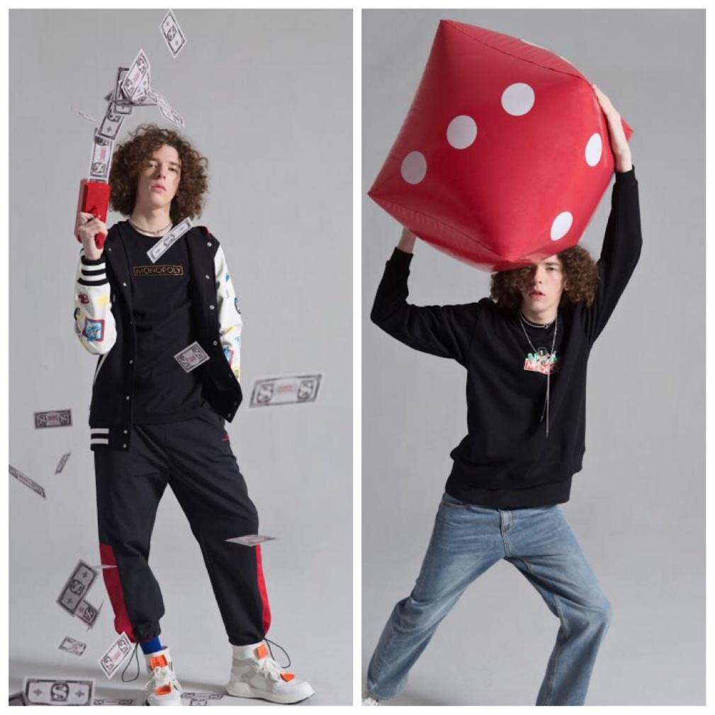 TSMLXLT x Monopoly联名款服饰 这么有趣好玩的地产大亨老爷爷和潮玩品牌POPMART泡泡马特一拍即合,携手打造了Molly版地产大亨系列棋盘玩具和玩偶,瞬间点燃潮男潮女的收藏热情,这个坑跳得心甘情愿。 在这里,还有一个好消息要告诉你们!想要尽情体验地产大亨游戏魅力的小伙伴们,还可以前往香港太平山山顶广场,感受全球首个地产大亨主题娱乐中心带来的沉浸式娱乐体验。从观光娱乐到游戏体验再到餐饮购物,承包一大家子玩乐体验的家庭娱乐中心,势必会成为新一届的打卡圣地。