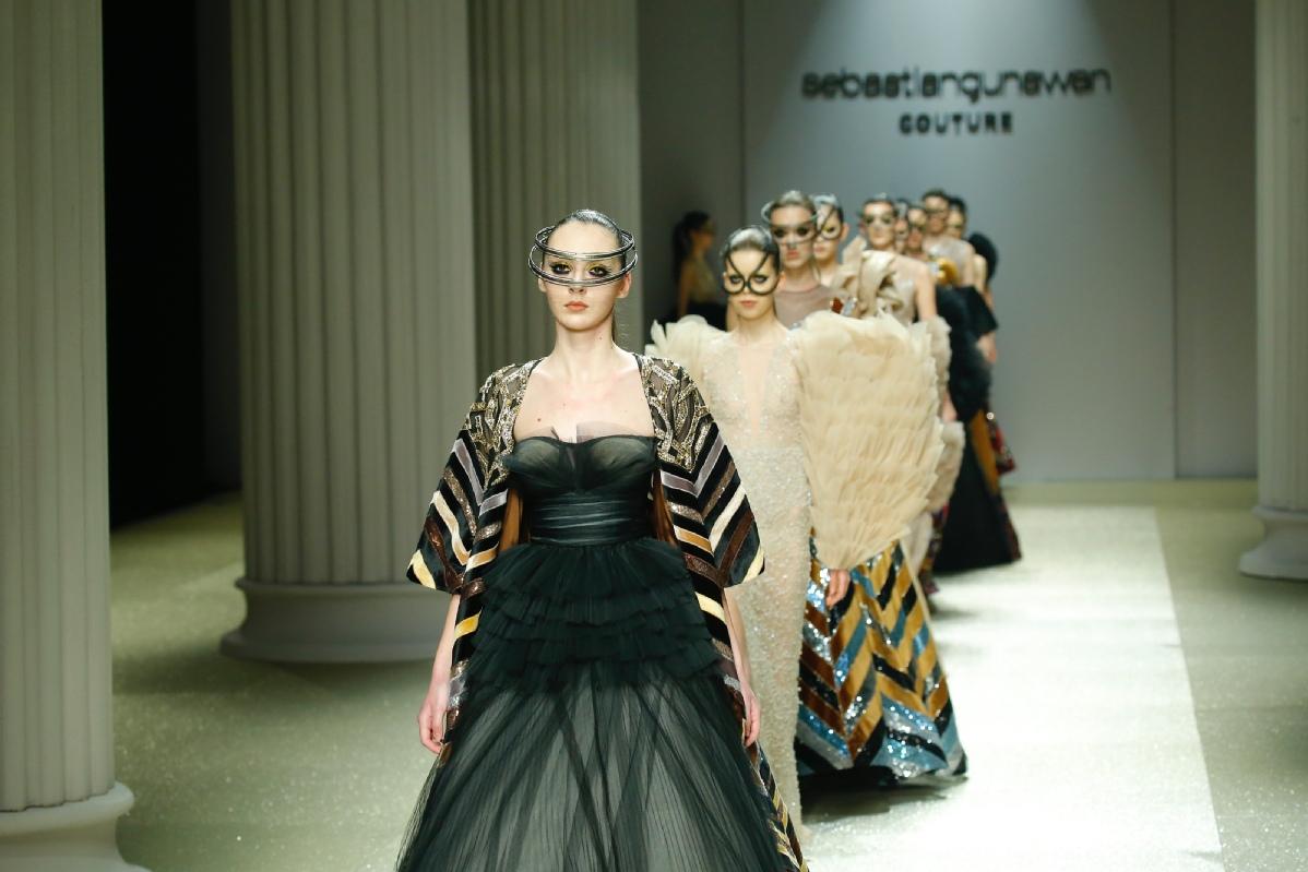 """首届""""泉城风尚""""国际时装周聚焦传统文化融合当代设计的全球趋势"""