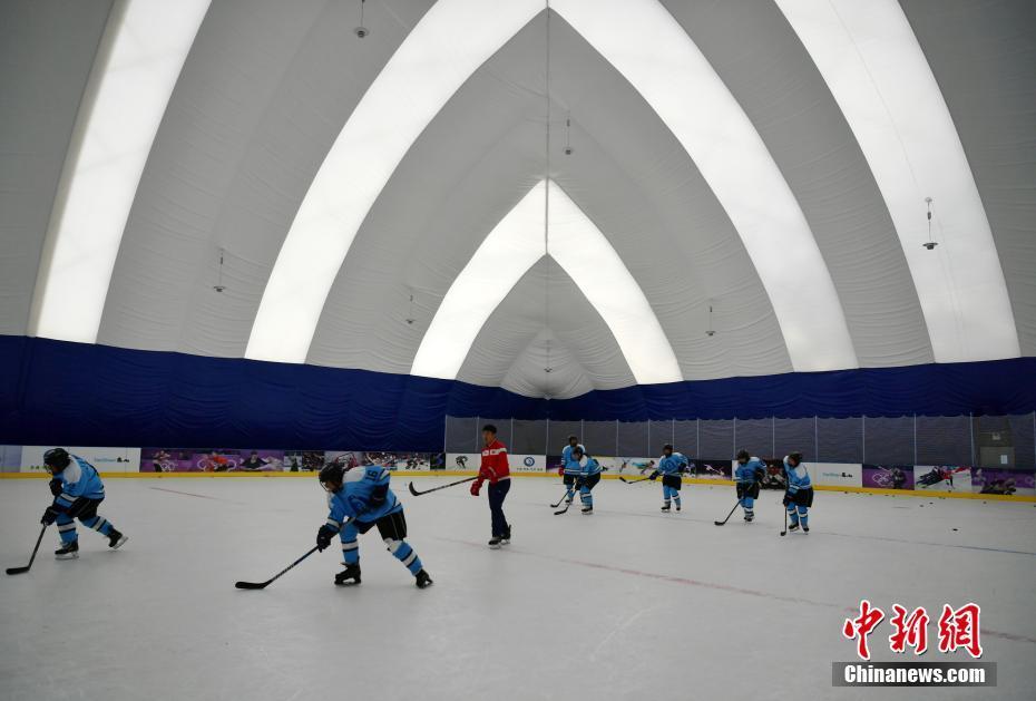 探访河北冰雪人才培训基地 为向2022年冬奥会输送冰雪专业人才