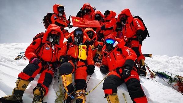 【中国那些事儿】中国测量队成功登顶珠峰 外媒:中国设备测量中国高度