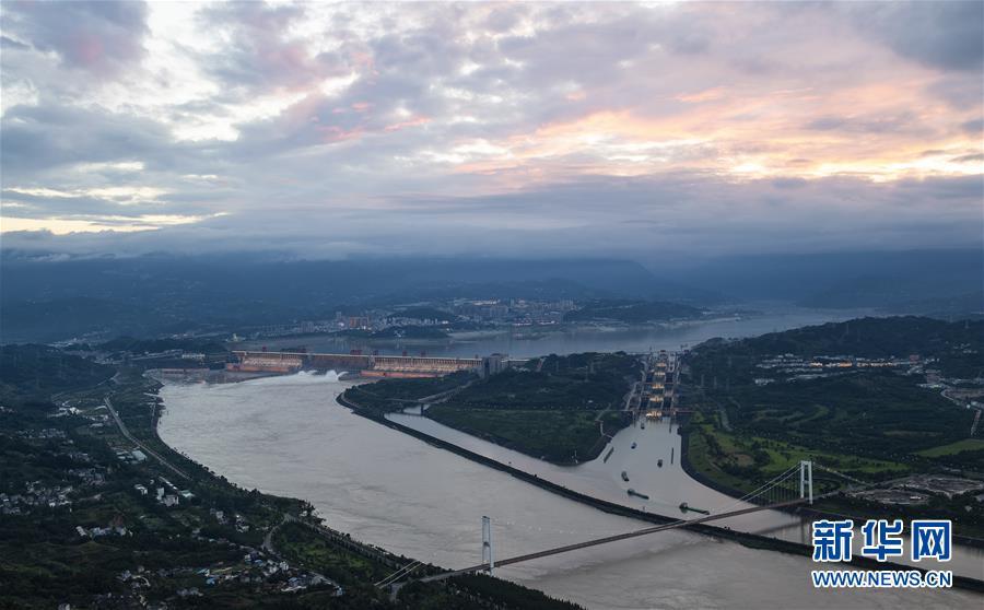#(环境)(13)三峡工程今年首次泄洪 近期或迎新一轮洪水