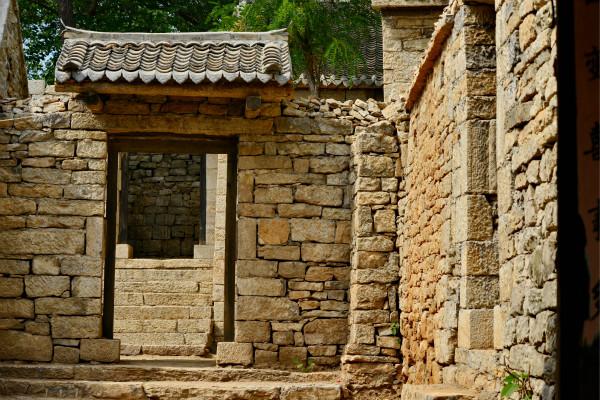 依山而建的石院充满韵味-鞠传江摄影_meitu_12