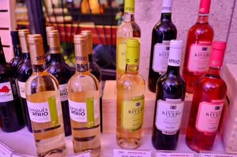 在中国市场上市的爱欧公爵葡萄酒-鞠传江摄影