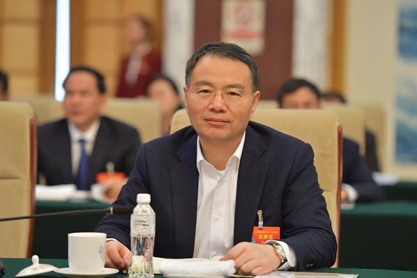 人民日报:徐冠巨代表建议提升贫困村医疗服务水平