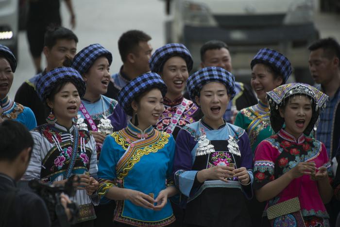 布依族人口_布依族历史 布依族人口有多少分布在哪里