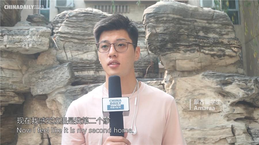 新中国成立70周年 外国留学生献祝福