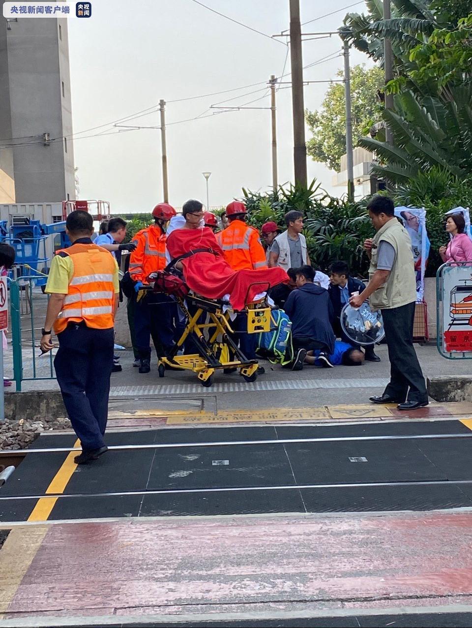 香港立法会议员何君尧遇袭受伤 警方拘捕一涉案者