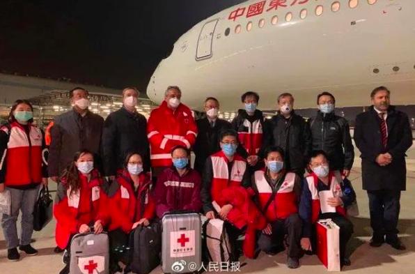 """国际支援再出征,中国专家组赴意抗疫,两大独特""""利器""""被世界点赞"""